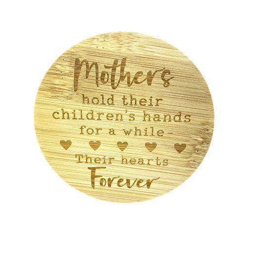 Bamboe deksel - Mothers hold their children...